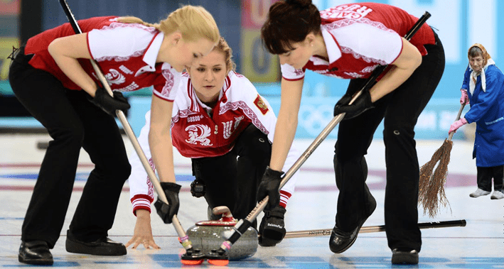 femeie de serviciu curling Canada nestire